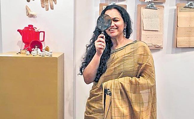 Vakulanayaks artist formulates the songs for realism - Sakshi
