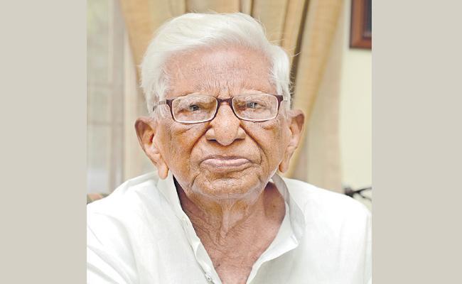 Veteran Communist Leader Narreddy Sivarami Reddy Passes Away - Sakshi