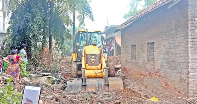 Chintamaneni Prabhakar Revenge On Dalits - Sakshi