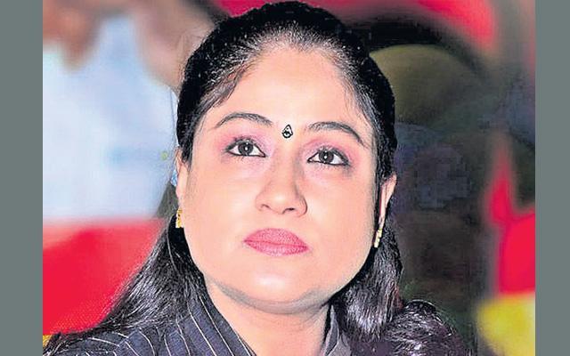 Who is responsible for farmers suicides - vijayasanthi - Sakshi