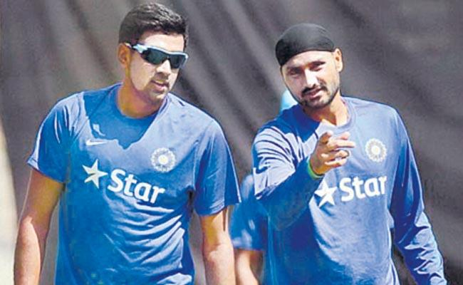 Harbhajan Singh for comments on Ravichandran Ashwin - Sakshi