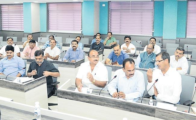 GHMC asks builders to register projects - Sakshi