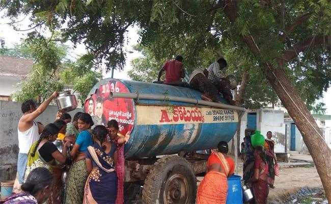 Ground Water Levels Down Fall in Prakasam - Sakshi