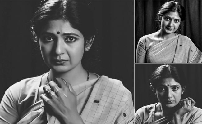 Yagna Shetty Play Laxmi Parvathi Role In Laxmis NTR - Sakshi