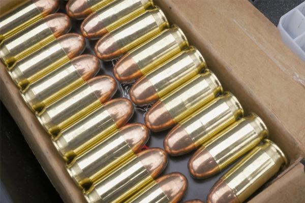 CISF Police arrests man who carrying bullets in Shamshabad Airport - Sakshi
