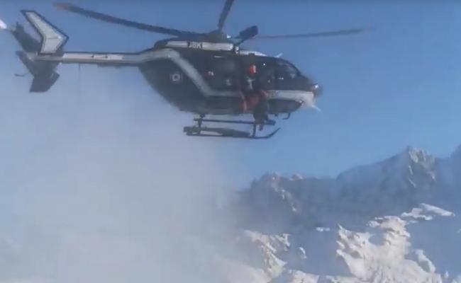 Incredible Helicopter Pilot Saves Man - Sakshi