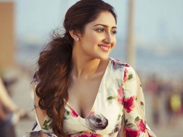 tamil actor arya, sayesha saigal wedding rumours - Sakshi