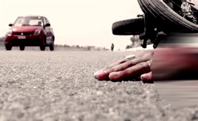Road Accident At Visakha Beach Road - Sakshi