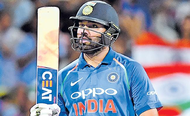 India vs Australia 1st ODI Australia beat India by 34 runs - Sakshi