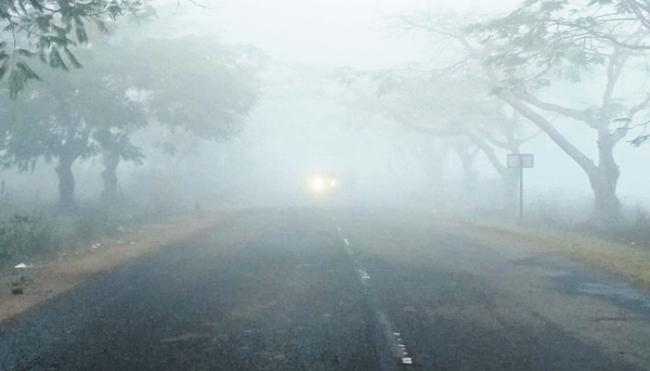 Two Telugu States Covered By Fog - Sakshi