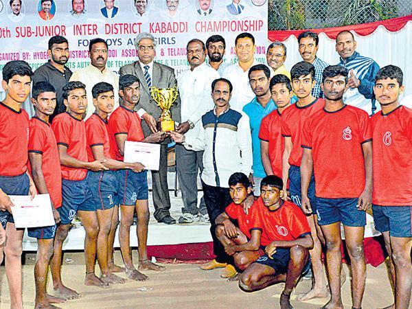Rangareddy gets Kabaddi Title - Sakshi