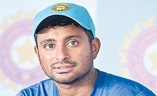 Rayudu  off spin bowling action is wrong ICC - Sakshi