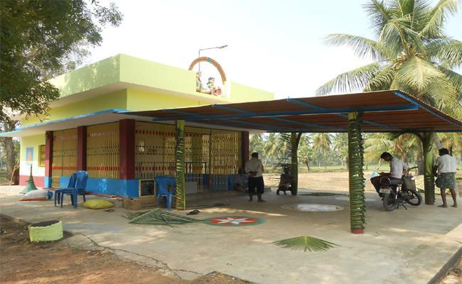 Pellikuthuramma Kalnothsavam in West Godavari - Sakshi
