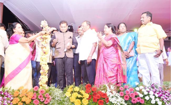 TDP Leaders Wastage People Funds in Festival - Sakshi