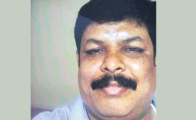 Man Who duped Tirumala Devotess Arrested - Sakshi