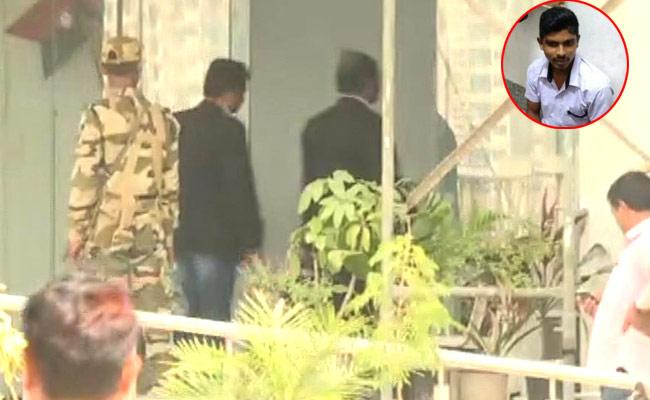 NIA Quetioned Accused In YS Jagan Knife Attack Case - Sakshi