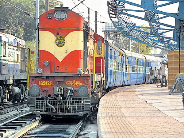 70 percent special trains to the coastal area in 203 special trains - Sakshi