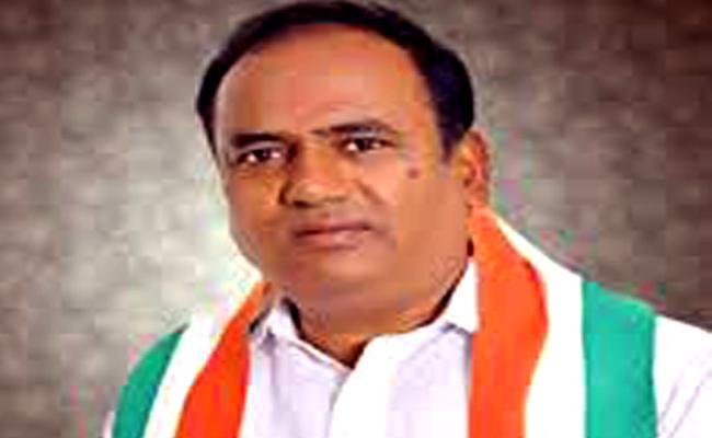 Congress Leader Bhupathi Reddy Criticises Legislative council Chairman - Sakshi