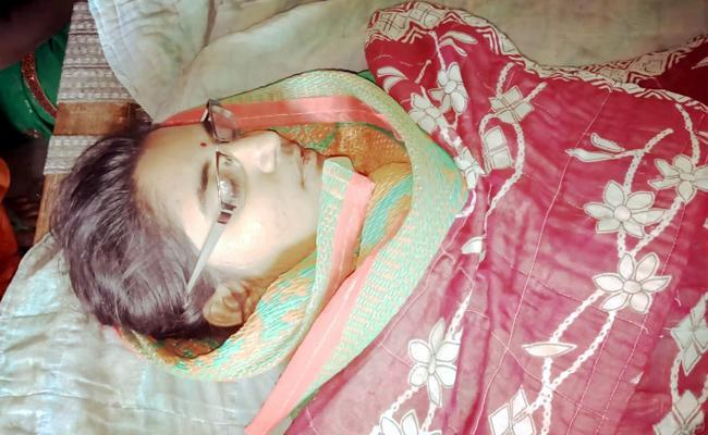 Intermediate Girl Committed Suicide In Jayashankar Bhupalpally - Sakshi
