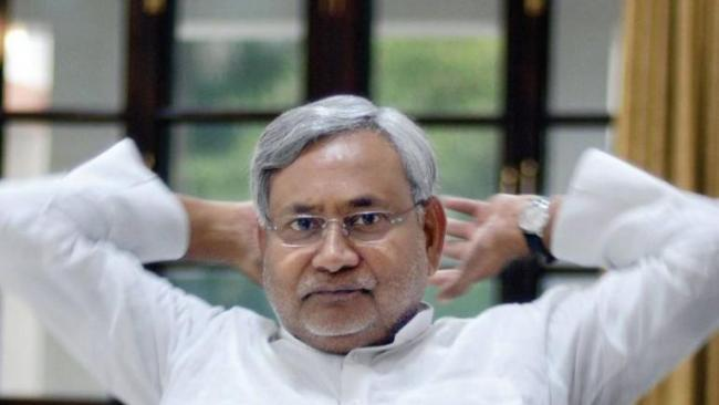 Nitish Kumar Said exit from Bihar Grand Alliance Due To Rahul Gandhi - Sakshi