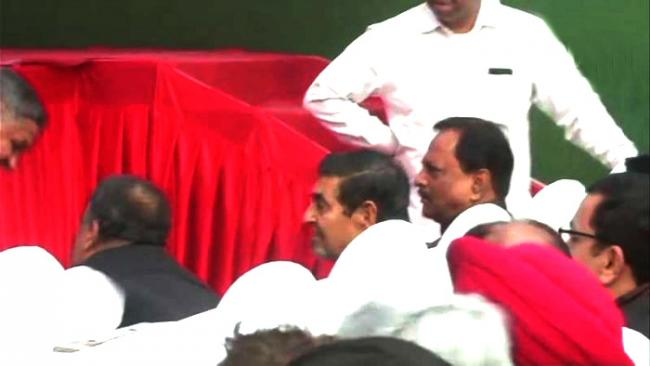 Row Over Presence Of Jagdish Tytler At Sheila Dikshit's Takeover - Sakshi