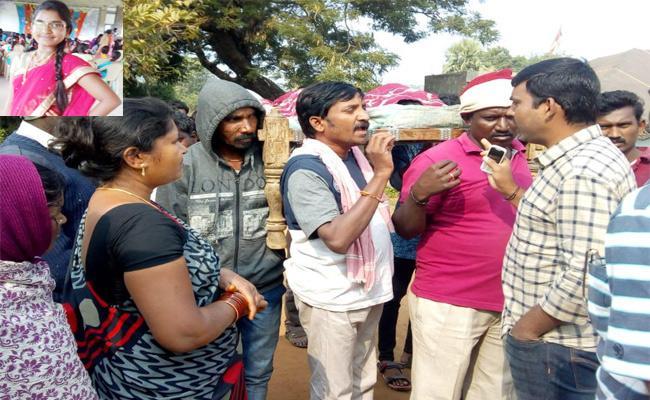 Love Failure Girl Suicide In Warangal - Sakshi