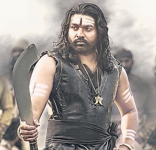Vijay Sethupathi Sye Raa Narasimha Reddy Motion Poster - Sakshi