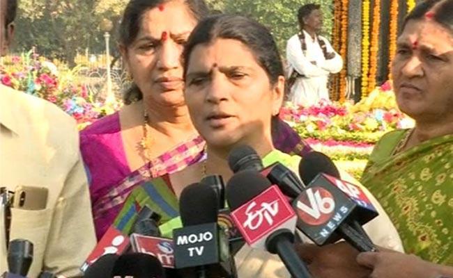 Lakshmi Parvathi Comments On NTR Death Anniversary - Sakshi