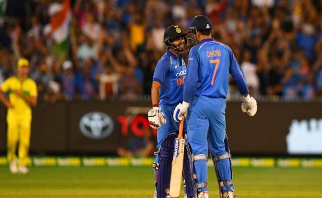 Kedar Jadhav Praise MS Dhoni Support In Third Odi Against Australia - Sakshi
