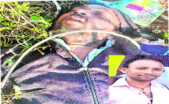 two Boys Died With Bike Accident Warangal - Sakshi