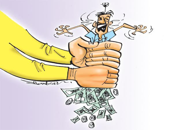 Chandrababu taking money from contractors - Sakshi