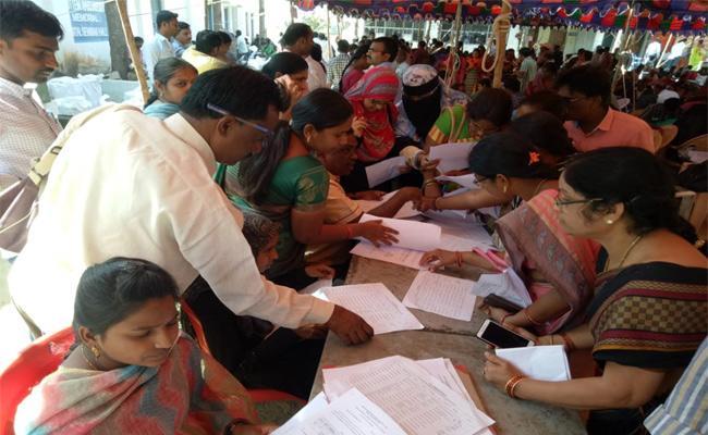 Telangana Panchayat Elections First Phase gram panchayat Election - Sakshi