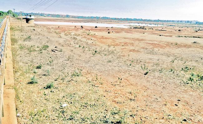 Underground Water Level Decrease Rangareddy - Sakshi