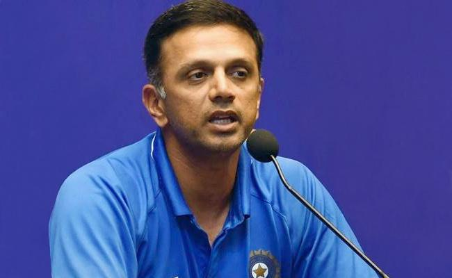 Rahul Dravid Request Not To Overreact On Pandya And Rahul Controversy - Sakshi
