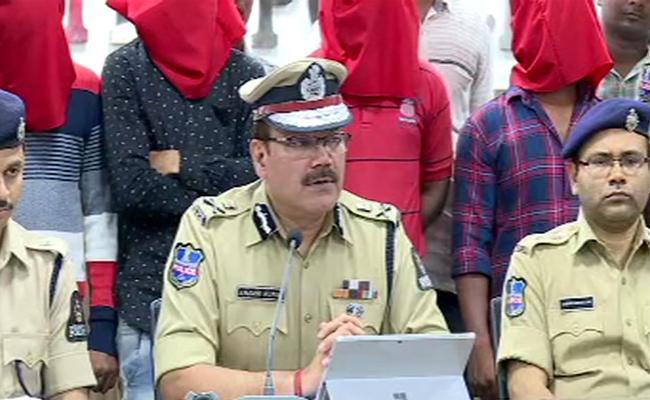 Kalapathar Police Arrest Dacoity Gang - Sakshi