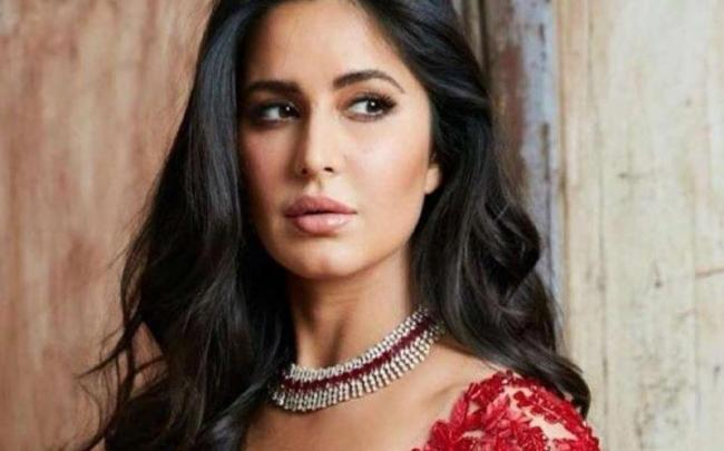 Katrina Kaif wants Anushka Sharma to put in small words for her with Virat Kohli - Sakshi