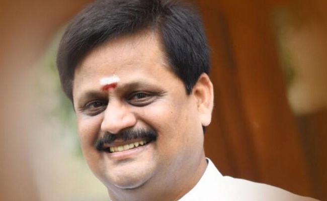 Awards To Tamil Movie Otrai Panai Maram - Sakshi