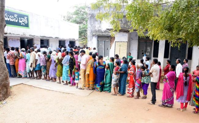 Second Phase of Telangana Panchayat Polling End - Sakshi