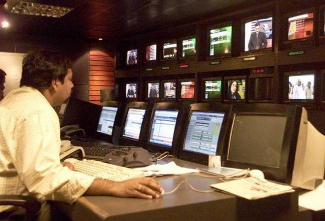 IB Ministry hikes advertisement rates for pvt TV channels - Sakshi