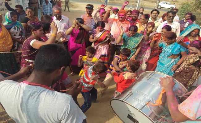 Telangana Panchayat Elections Second Phase TRS Mahabubnagar - Sakshi