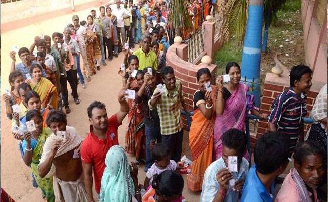 Telangana Panchayat Elections Second Phase Peaceful - Sakshi