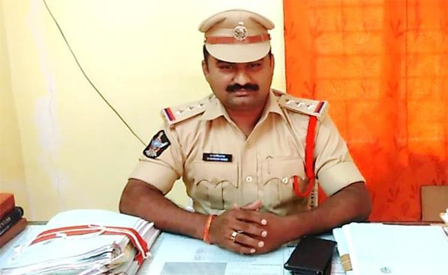 Wife Killed Husband in PSR Nellore - Sakshi