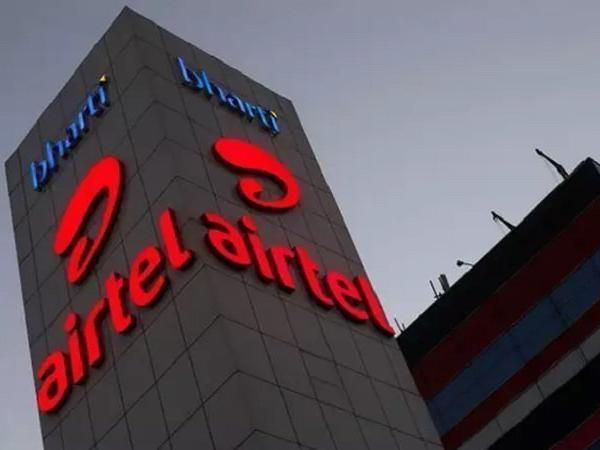 Airtel Rs.100, Rs.500 Talk Time Recharges Re-Launched With 28 Days - Sakshi