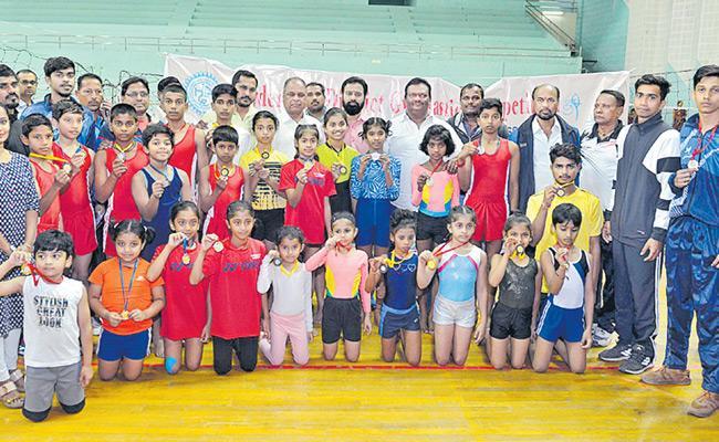 Vaishali gets Two Gold Medals - Sakshi
