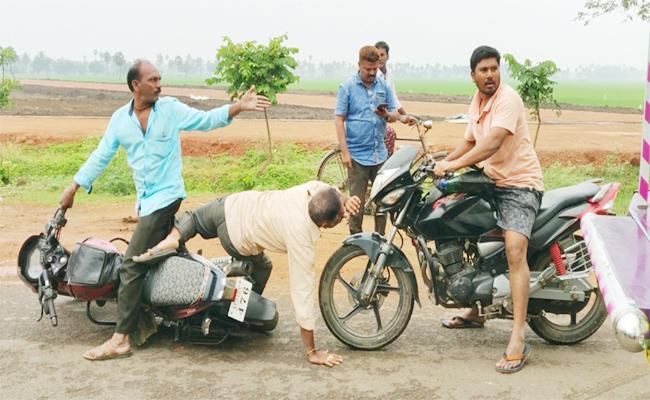 Bike Accidents in East Godavari - Sakshi