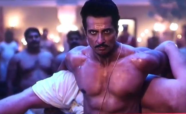 Sonu Sood Fighting Scene In Manikarnika Leaked - Sakshi