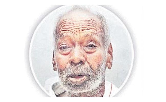 Gollapudi Maruti Rao Guest Columns On Mylapore Famous Pavement Bookseller Alwar Dies - Sakshi
