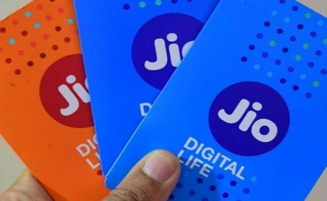 Reliance Jio adds 1 crore new users in October; inches closer to Vodafone-Idea, Airtel - Sakshi
