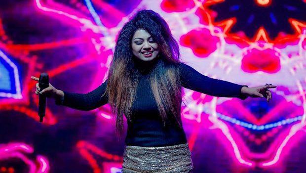 Singer Shivani Bhatia Passes Away in Tragic Car Accident Husband Injured - Sakshi