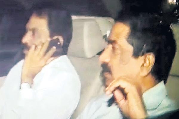 Chandrababu meeting with Lagadapati at midnight - Sakshi